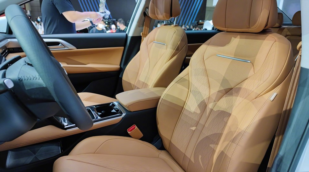 双激光雷达,座椅支持全平放倒,全新小鹏P5正式预售,16万元起